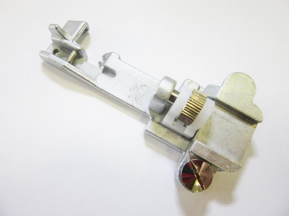 Patka pro všívání gum - pro overlocky Lucznik 720 D